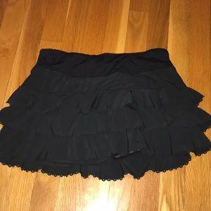 Beautiful black LULULEMON skirt.